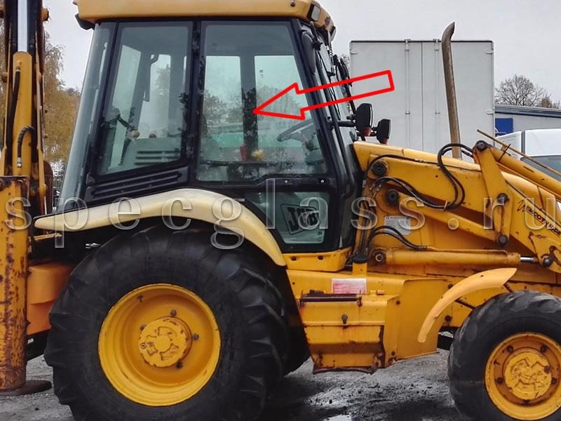Стекло двери верхнее правое для JCB 3CX / 4CX 98-04 г.в.