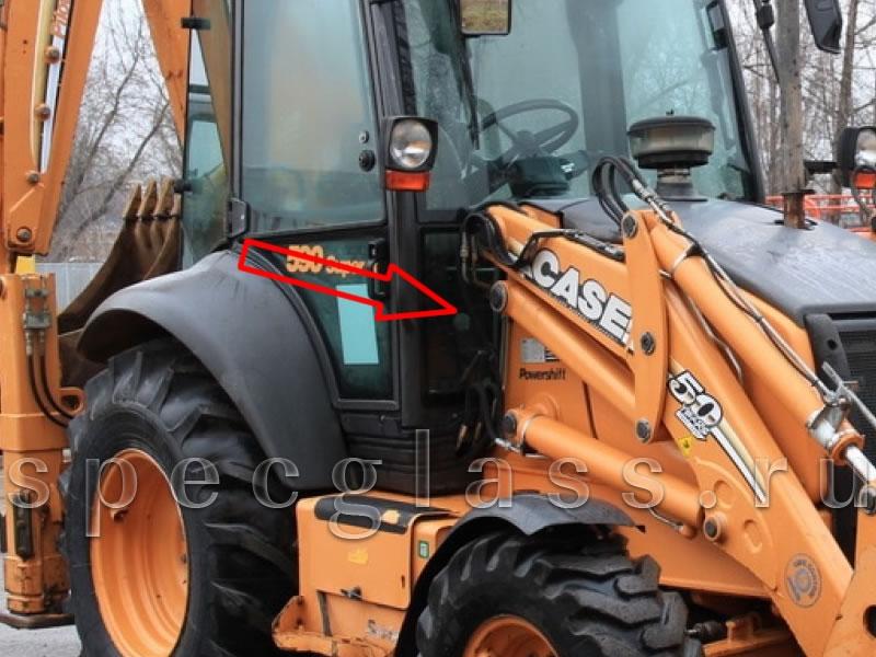Стекло лобовое нижнее правое для Case 580R / 580T / 580SR / 695SR