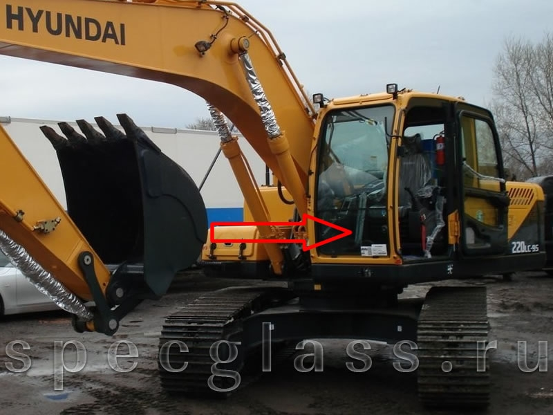 Стекло лобовое нижнее для Hyundai Robex 210LC-9 / 260LC-9 / 290LC-9 / 300LC-9 / 330LC-9 / 450LC-9 / 480LC-9