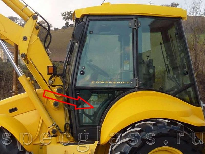 Стекло дверное левое нижнее для New Holland LB115 / B115B / B110B / B100B / B90B