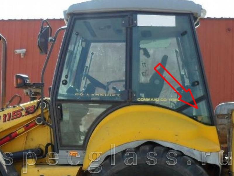 Стекло кузовное левое (треугольник) для New Holland LB115 / B115B / B110B / B100B / B90B
