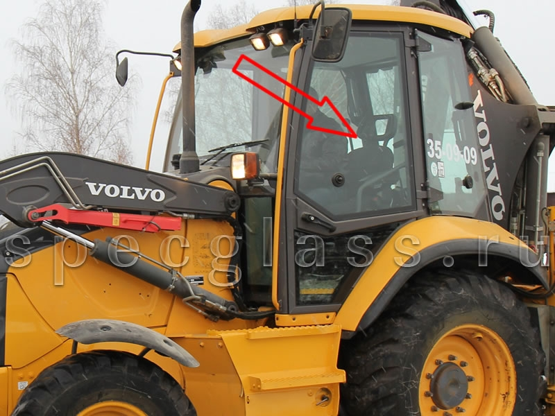 Стекло двери левое верхнее для Volvo BL61 / BL71 2012- г.в.