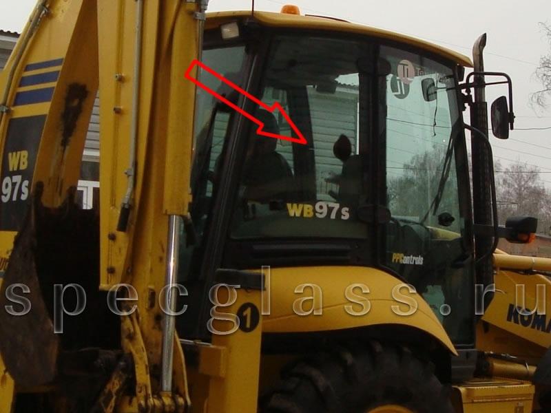 Стекло кузовное правое для Komatsu WB93R-2 / WB97R-2 / WB93S-2 / WB97S-2 1997- г.в.