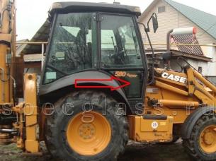 Стекло дверное нижнее правое для Case 580R / 580T / 580SR / 695SR