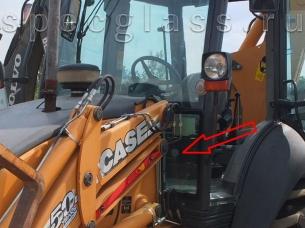 Стекло лобовое нижнее левое для Case 580R / 580T / 580SR / 695SR
