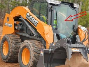 Стекло лобовое (дворник сбоку) для Case SR150 / SR175 / SR185 / SR200 / SR220 / SR250 / SV185 / SV300