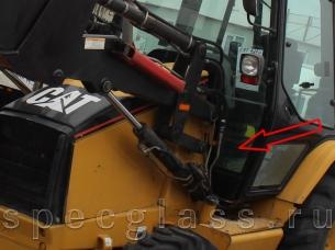 Стекло лобовое нижнее левое для Caterpillar 428D / 432D