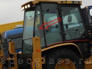 Стекло кузовное заднее правое для Caterpillar 428D / 432D
