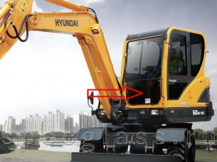 Стекло лобовое нижнее для Hyundai Robex 60W-9S