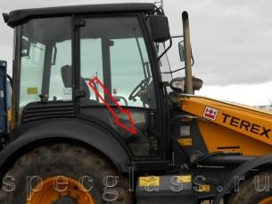 Стекло дверное нижнее правое для Terex 760 / 820 / 860 / 880 / 970 / TLB825