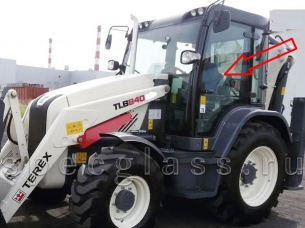 Стекло дверное левое для Terex 840 / TLB840 / 890 / TLB890