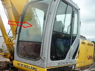 Стекло лобовое верхнее для New Holland E215B