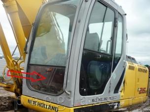 Стекло лобовое нижнее для New Holland E215B