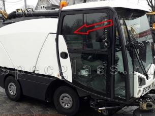 Стекло дверное левое/правое верхнее (форточка, ближе к заднему стеклу) для Johnston CN201 / CX200