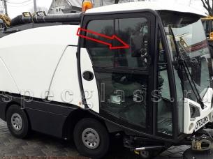 Стекло дверное левое/правое верхнее (форточка, ближе к лобовому стеклу) для Johnston CN201 / CX200